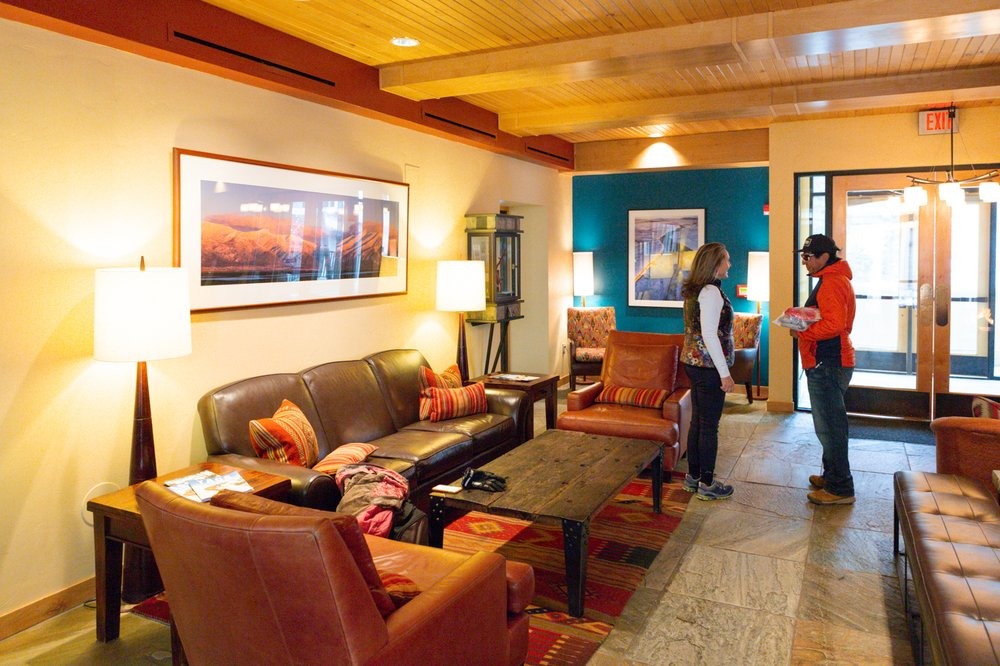 Edelweiss Lodge and Spa: 106 Sutton Pl, Taos Ski Valley, NM