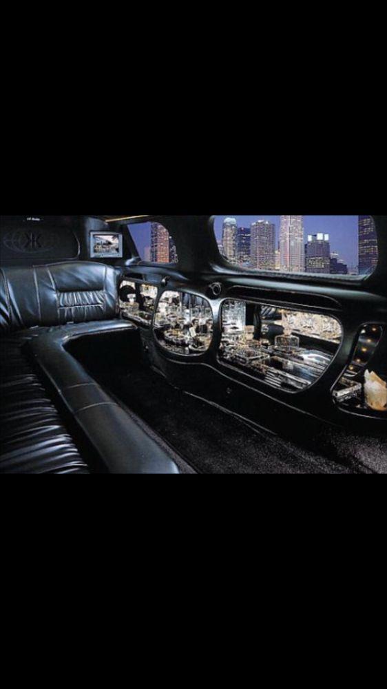 Insight Limousine & Sedan: 2936 W Belden, Chicago, IL
