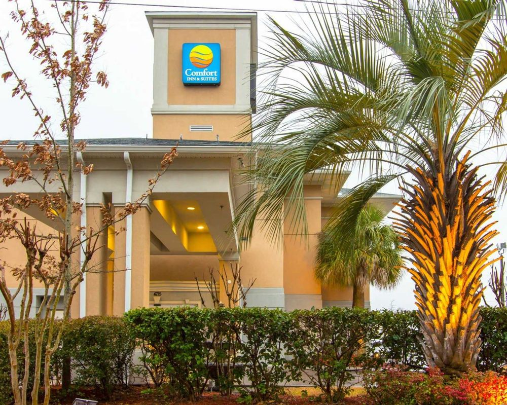 Comfort Inn & Suites Convention Center - 26 Photos - Hotels - 4715 ...