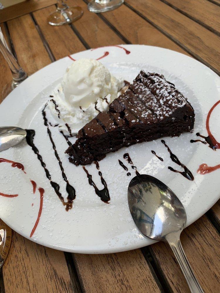 Basil Leaf Cafe: 7 Birch Hill Rd, Locust Valley, NY