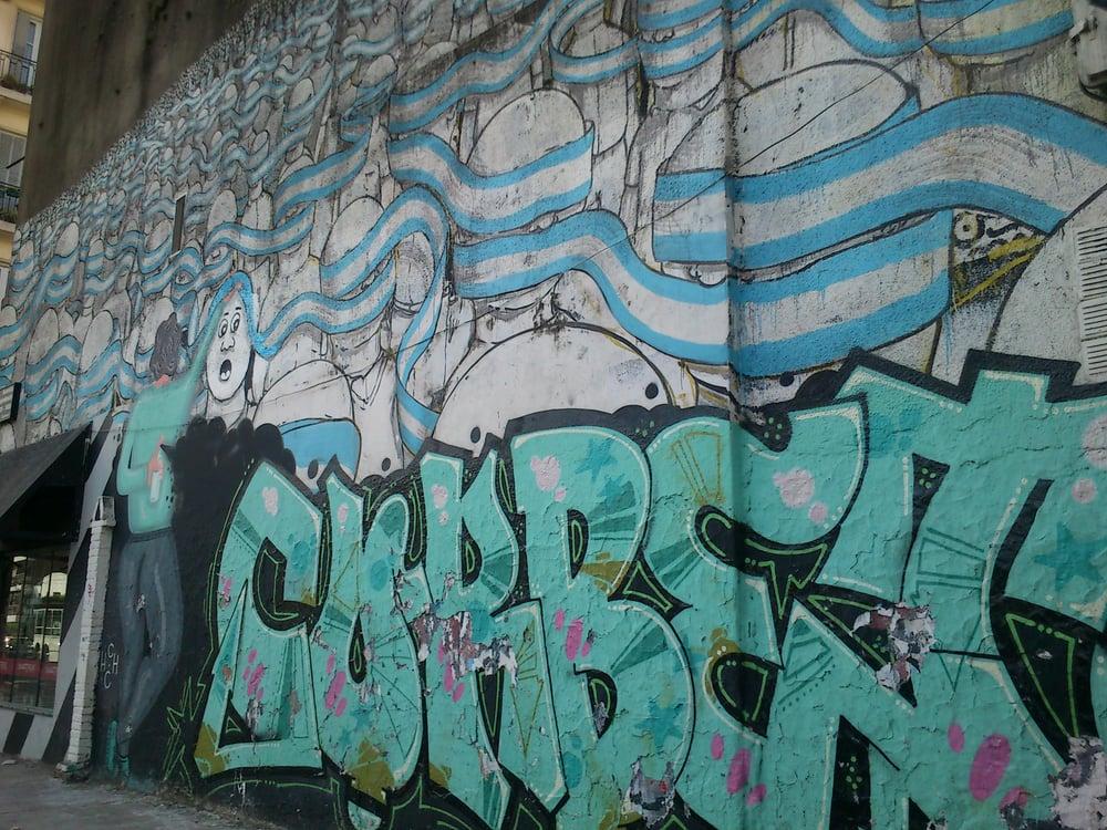 Mural Intervenido Yelp