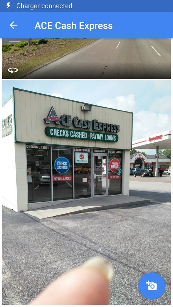 Payday loan store on capitol photo 3