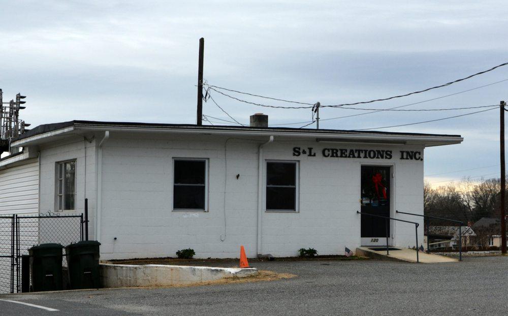 S & L Creations: 120 E 1st St, Lowell, NC