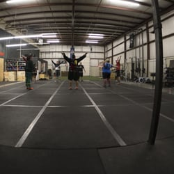Middle Of The Map Crossfit Closed Interval Training Gyms 2626