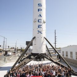 SpaceX - 82 Photos & 28 Reviews - Transportation - 1 ...