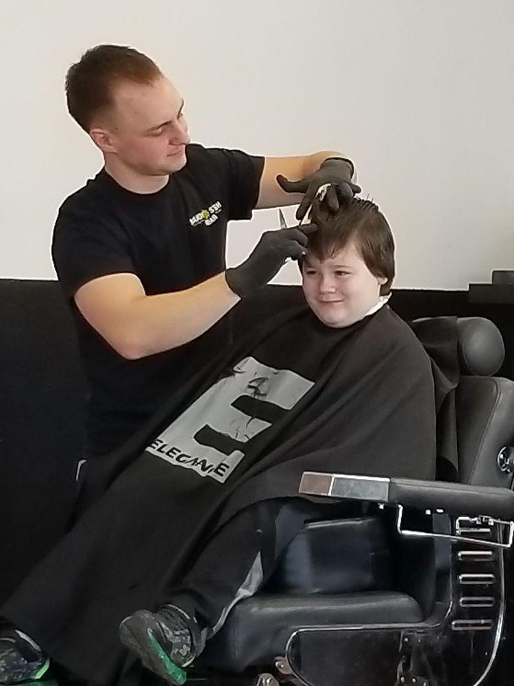 Clean Cut Barbershop: 460 Ellicott St, Batavia, NY