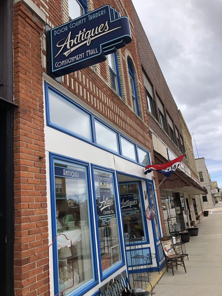 Door County Traders Antiques & Consignment Mall: 147 N 3rd Ave, Sturgeon Bay, WI