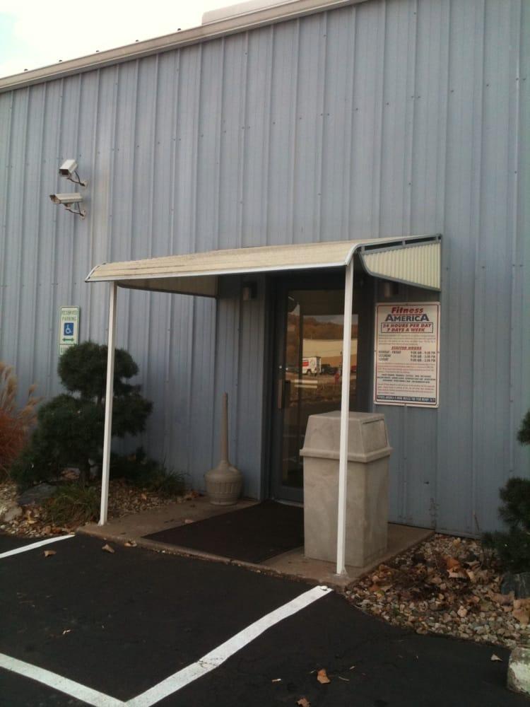 Fitness America: 2707 N Main St, East Peoria, IL