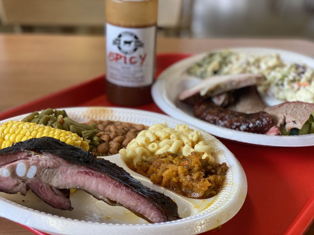 Riley's Pit BBQ: 1326 S Colorado, Lockhart , TX