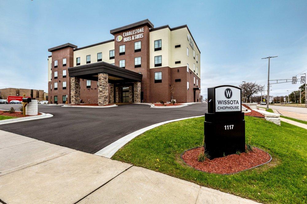 Cobblestone Hotel & Suites - Stevens Point: 1117 Center Point Dr, Stevens Point, WI
