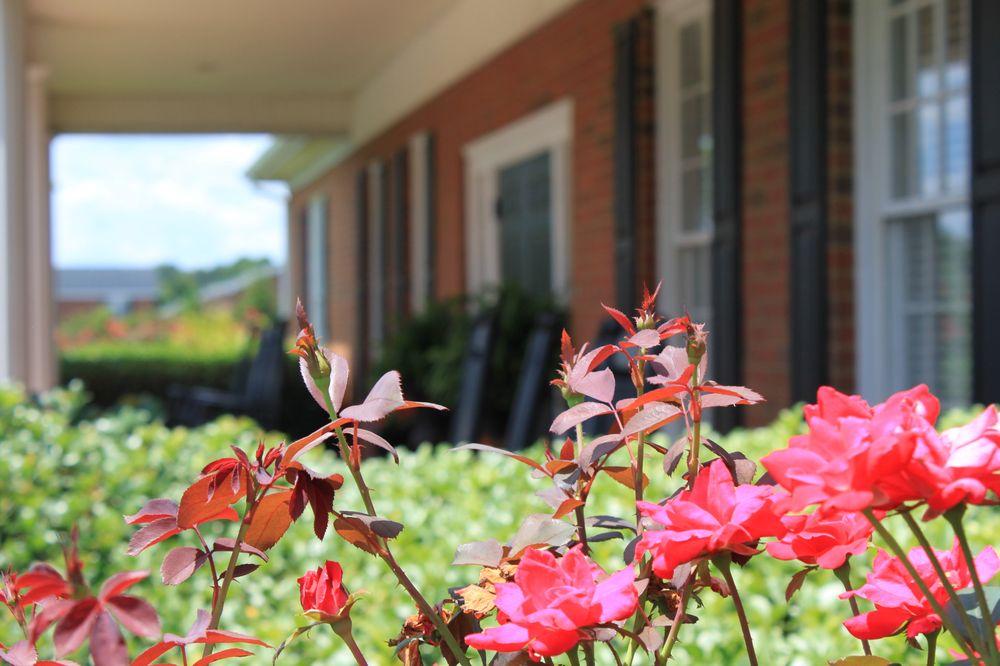 Lord & Stephens Funeral Homes: 963 Highway 98 E, Danielsville, GA