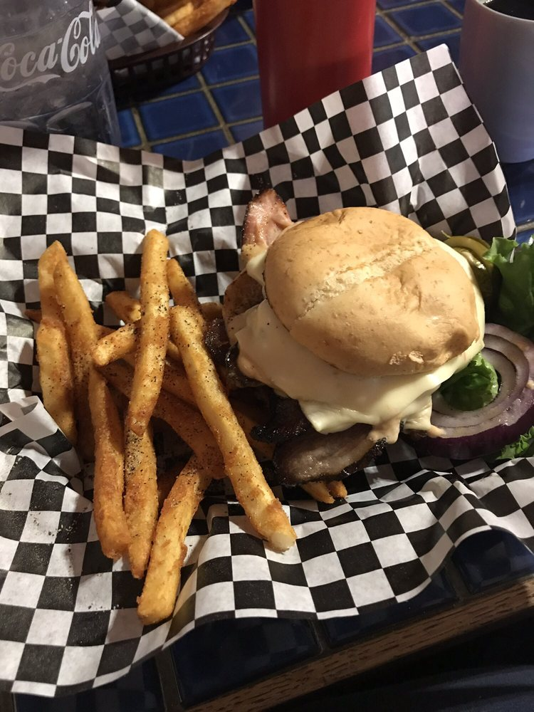 Bumpin' Buffalo Bar and Grill: 245 Main Streert, Hill City, SD