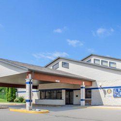 Photo Of Comfort Suites At Royal Ridges Ripon Wi United States