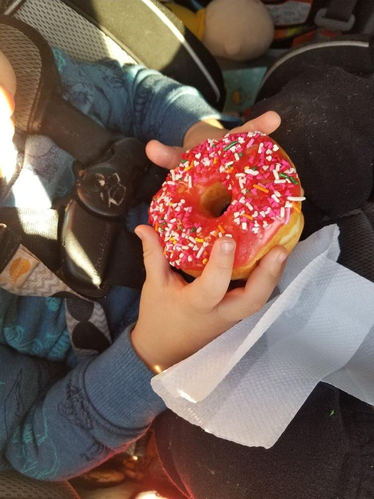 Southern Maid Donuts: 101 Thoma Dr, Elgin, OK