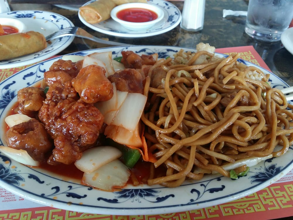 foto de Combination plate sweet and sour pork Yummy Yelp