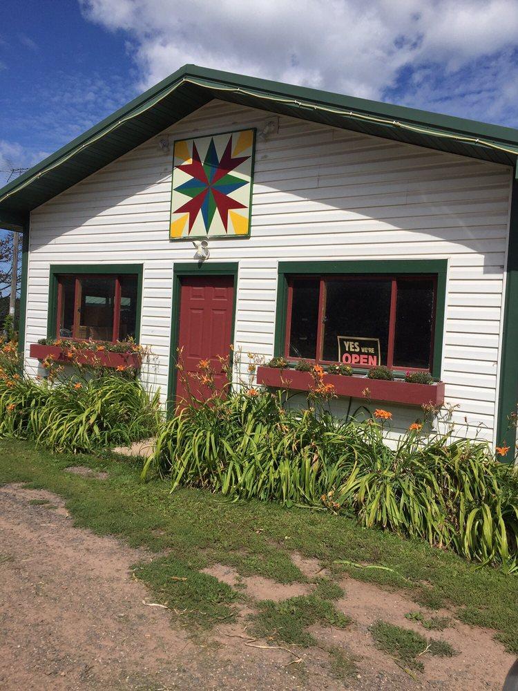 Siskowit Galloway Farm: 22435 Siskwit Lake Rd, Cornucopia, WI