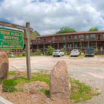 Photo Of Yough Plaza Motel Ohiopyle Pa United States Entrance With
