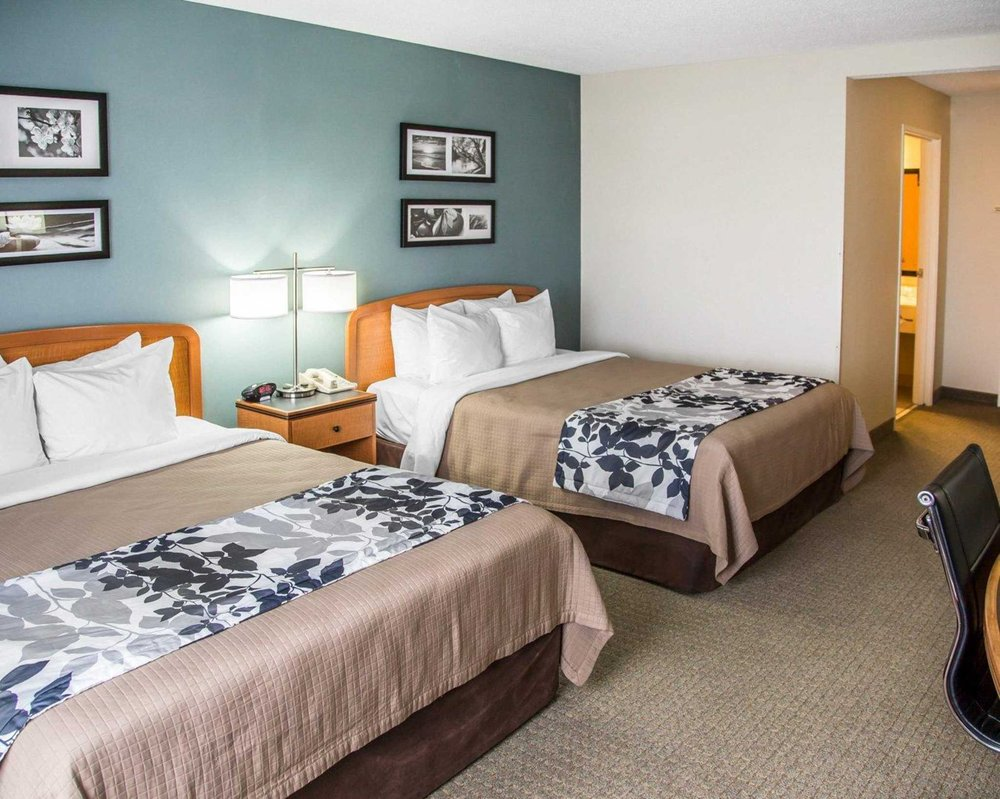 Sleep Inn & Suites Davenport - Quad Cities: 5350 Elmore Ave, Davenport, IA