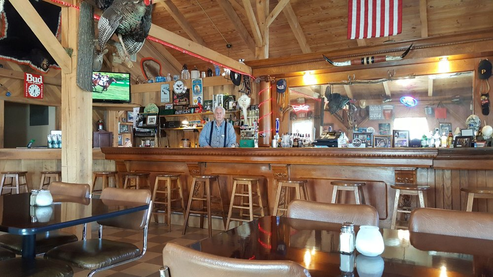 Butchie's: 5353 Main St, Dubois, IN