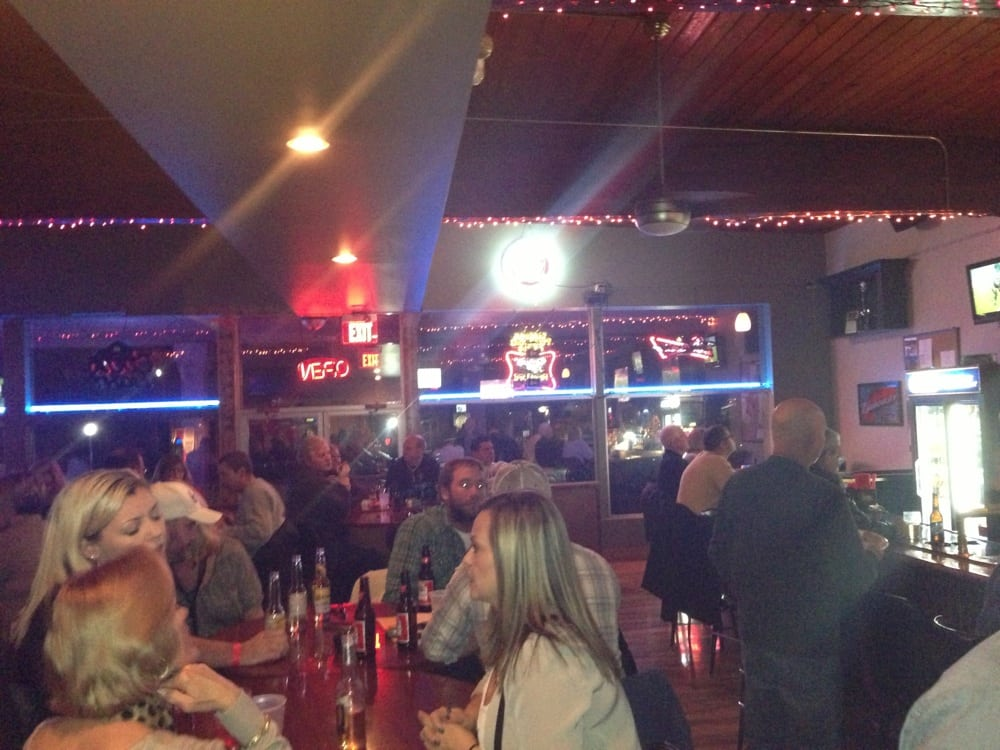 The Clubhouse Bar & Grill: 9163 Wicker Ave, St. John, IN