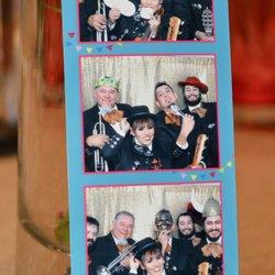 MONA: Midget mariachi band