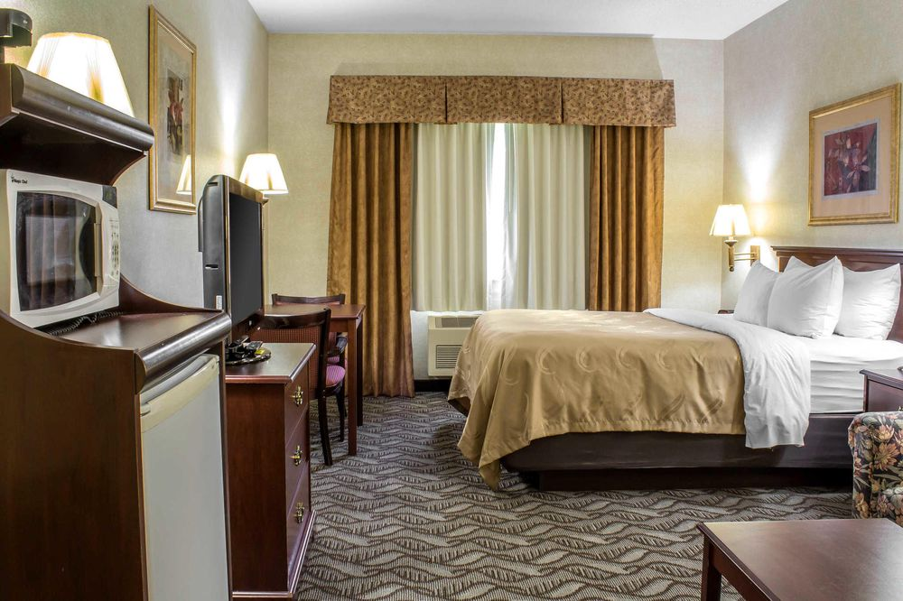 Quality Inn: 2209 N Baltimore St, Kirksville, MO