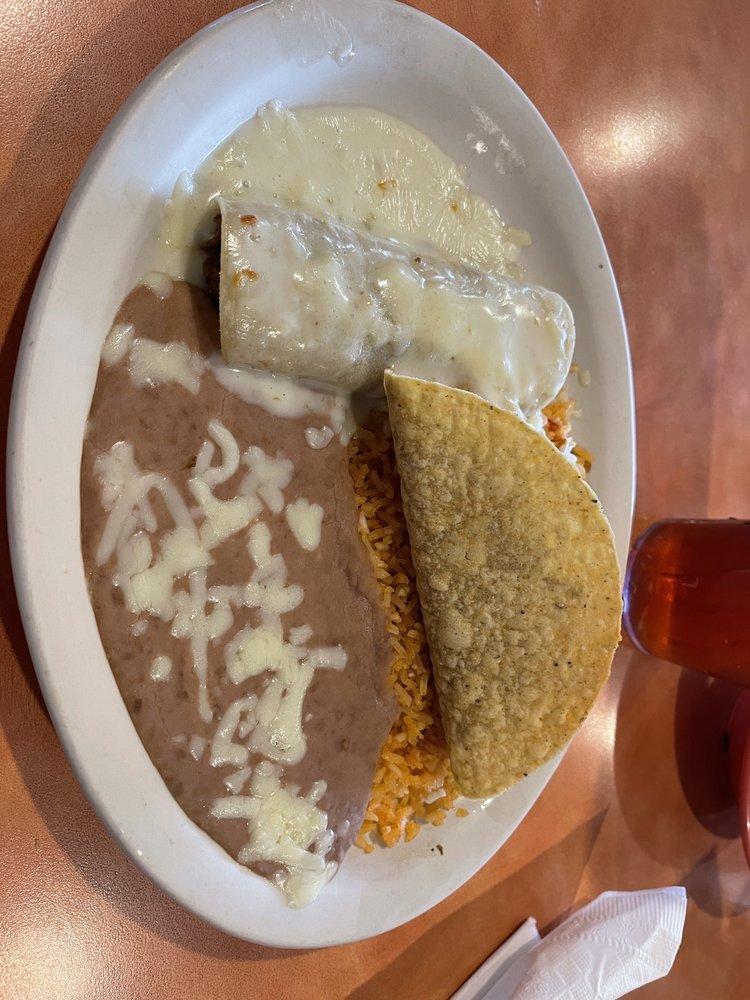 El Puerto Mexican Restaurant: 1607 W Commercial St, Ozark, AR