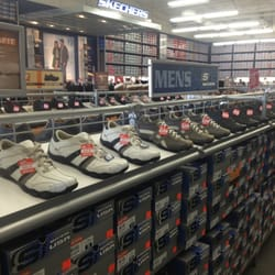 Shoe Stores In Tulare