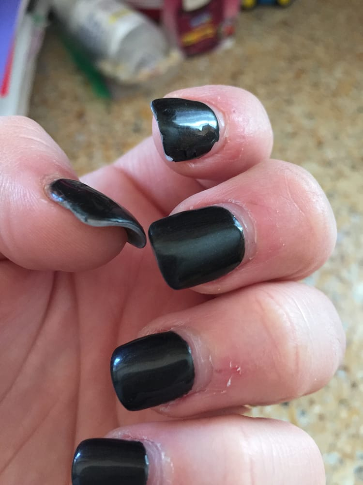 Lee nails 20 reviews nail salons 4637 high pointe for Abaca salon harrisburg pa
