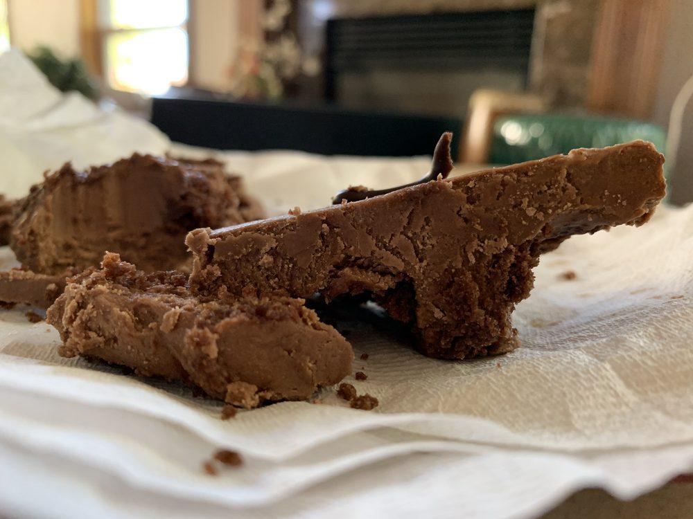 Sugar Cubed Cakes: 101 N Main Ave, Gresham, OR