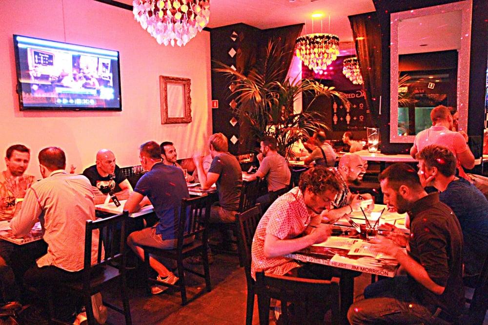 Speed gayte gay bars via lodovico muratori 10 porta for Gay club milan