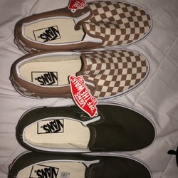 3e18dbac99 Vans Outlet - 17 Photos   23 Reviews - Shoe Stores - One Mills Cir ...