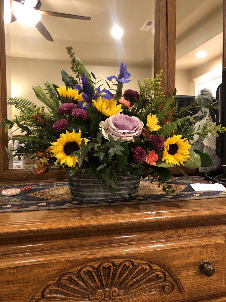 Petals & Papers: 8305 Elk Ridge Ln, Middleton, ID
