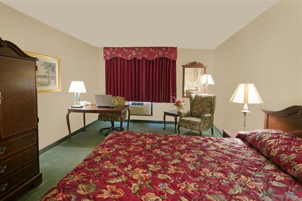 Americas Best Value Inn Osceola: 1520 Jeffreys Drive, Osceola, IA