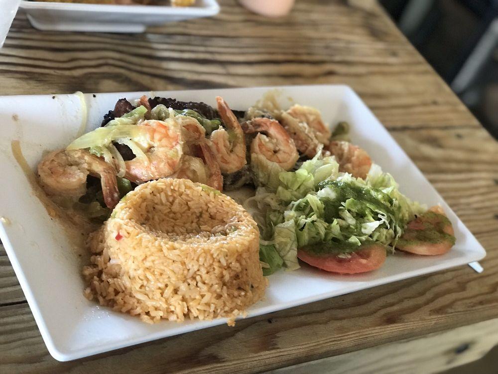 Mi Casita Seafood: Carretera 187 Km 4, Loíza, PR