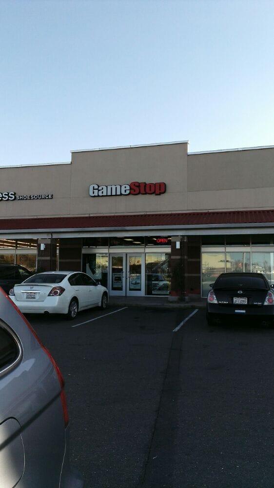 GameStop: 4200 MacDonald Ave, Richmond, CA