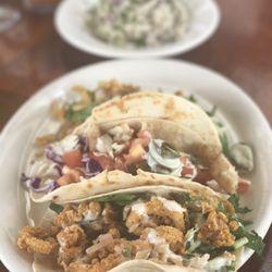 Six Feet Under Pub Fish House Westside 616 P Os 721 Reviews Seafood 685 11th St Nw Westside Home Park Atlanta Ga Restaurant Reviews