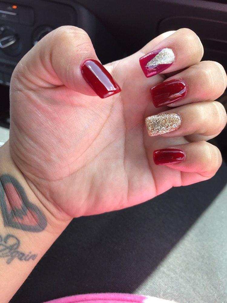 Diva Nails Salon: 1500 Hoppe Blvd, Ada, OK