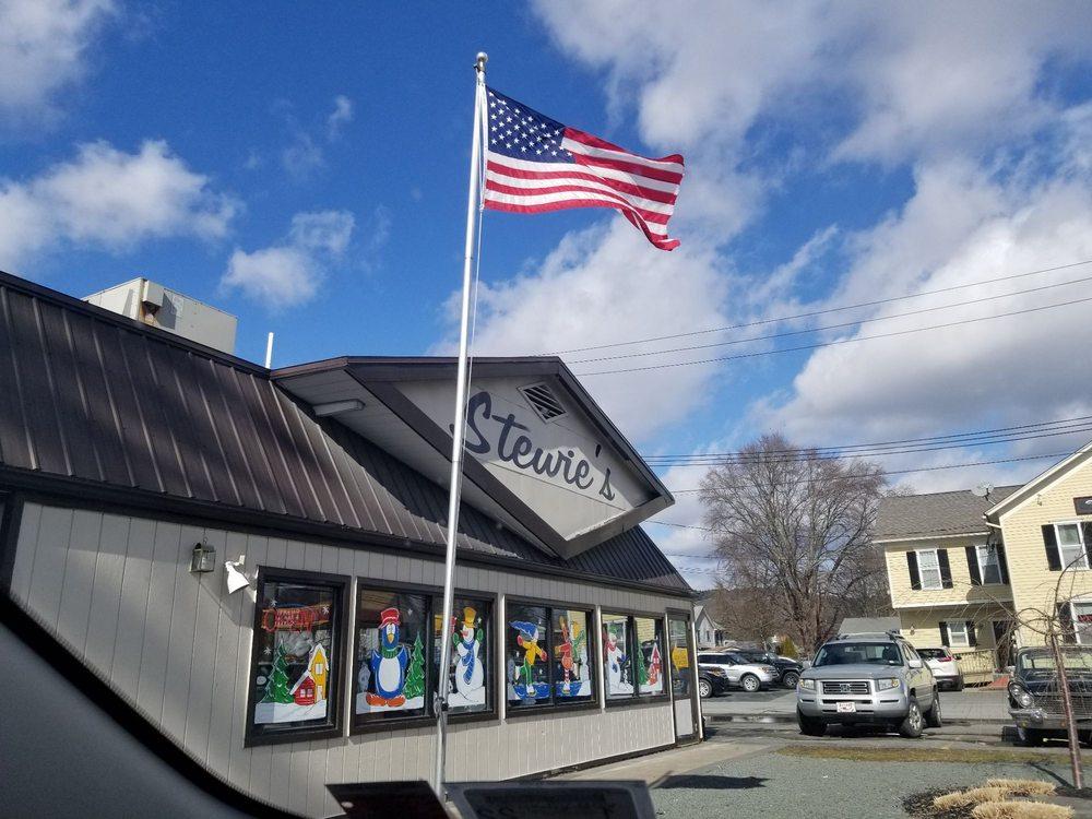 Stewie's: 701 Pennsylvania Ave, Matamoras, PA