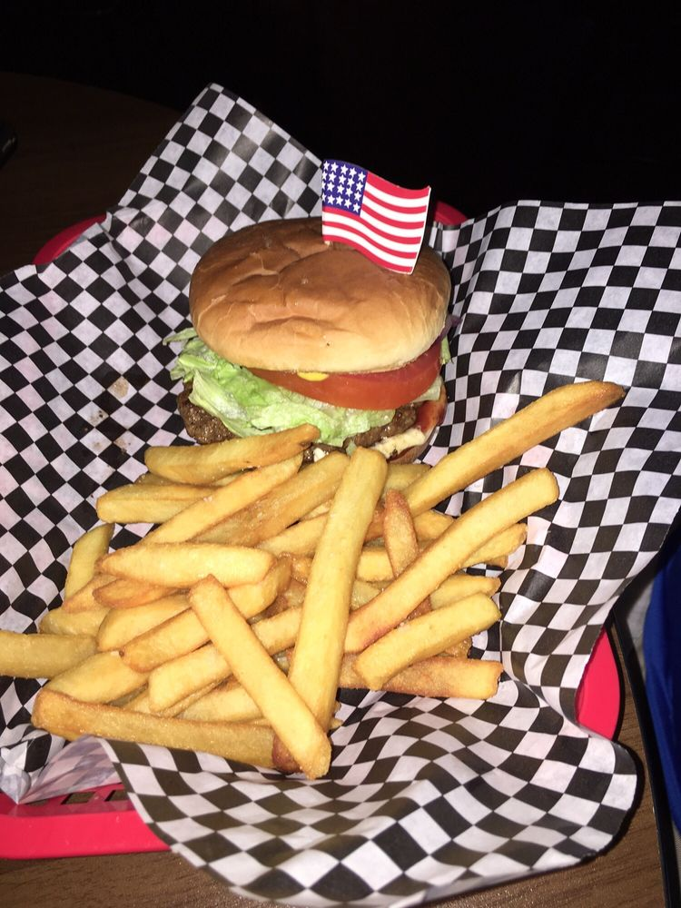 Pickwick Sports Bar & Grill: 9165 Hwy-57, Counce, TN
