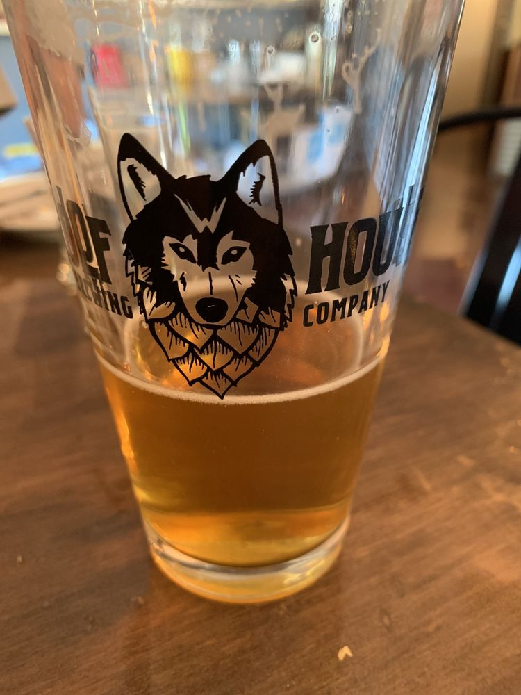 Wolf House Brewing: 131 E 1st St, Cloverdale, CA