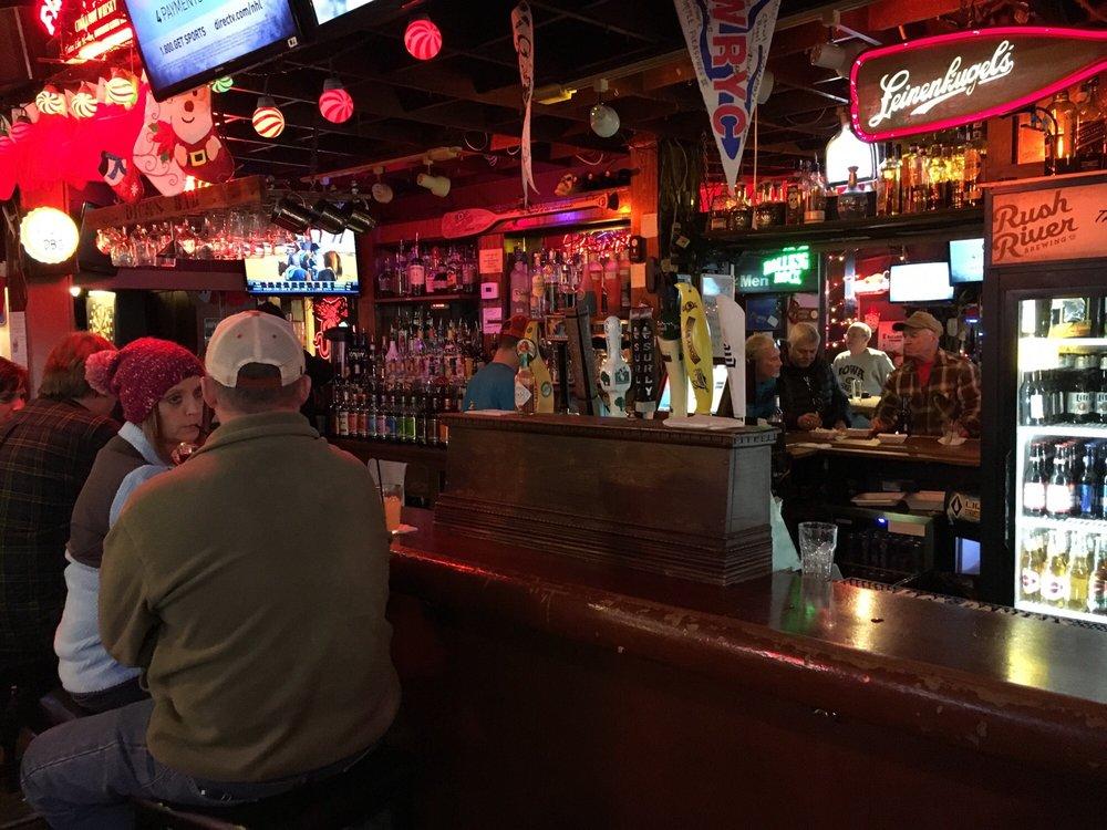 Dicks bar hudson wi