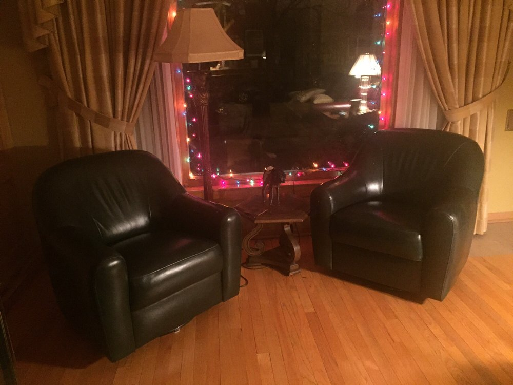 Leo's Furniture and Upholstery