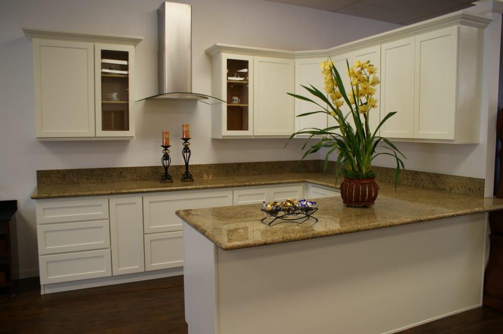 Kitchen Cabinets Granite countertop backsplash and ...