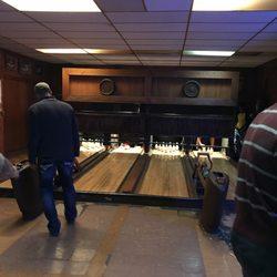 Koz's Mini Bowl - 2078 S 7th St, Historic Mitchell Street