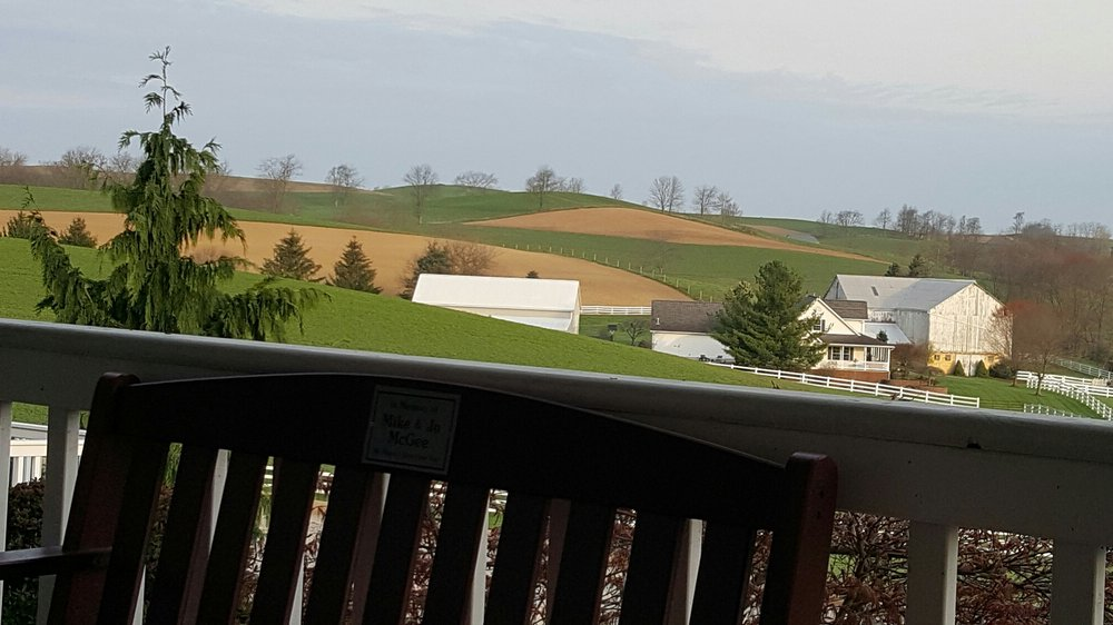 Charm Countryview Inn: 3334 State Route 557, Charm, OH