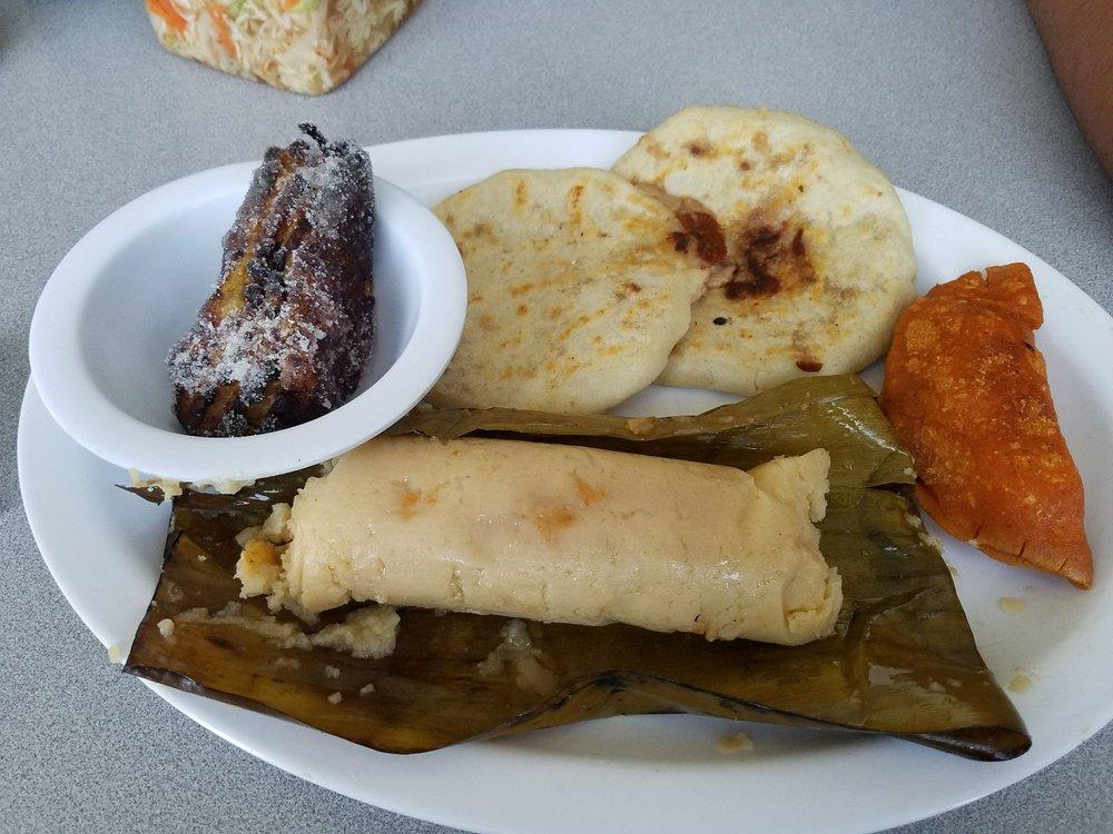 Salvi's Pupuseria & Resturante: 8922 Beech Ave, Fontana, CA