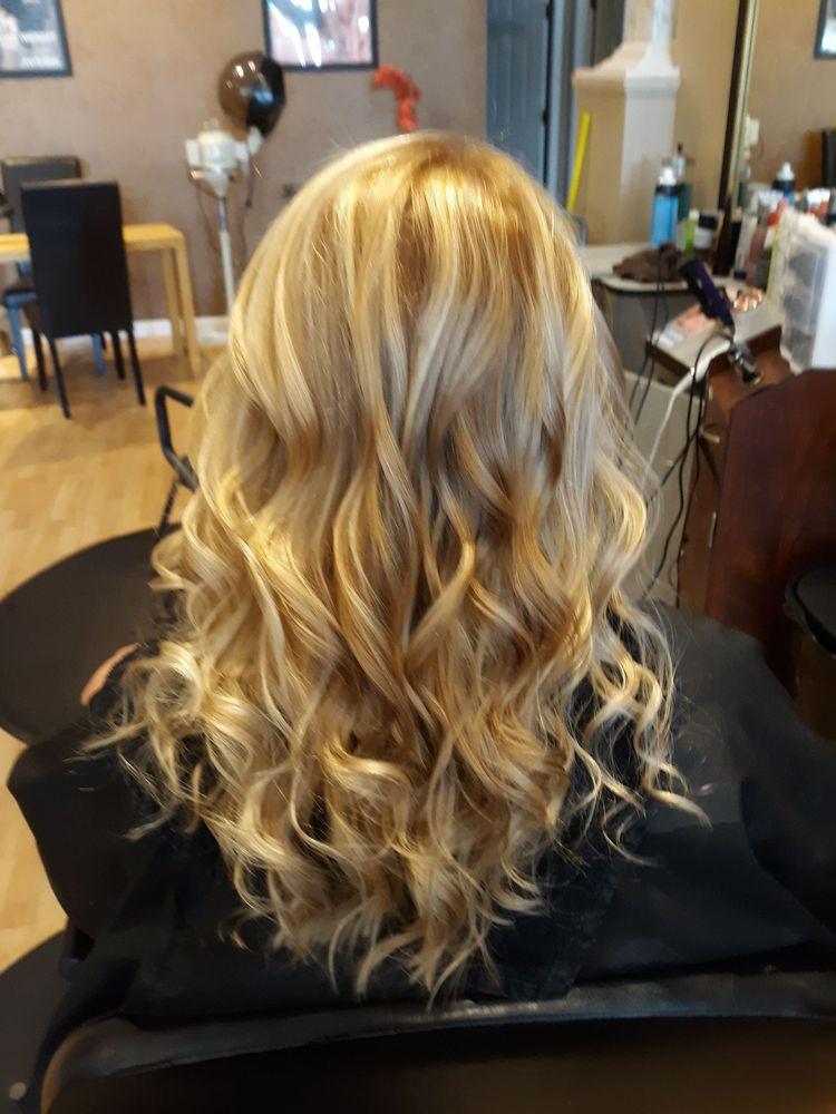 Navari Hair Studio & Spa: 9052 E 13th St, Cadillac, MI