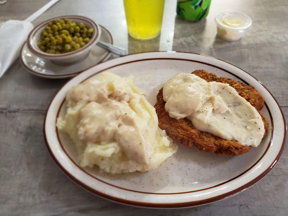 Grandma Jo's Polkadot Cafe: 712 3rd St, Moundsville, WV