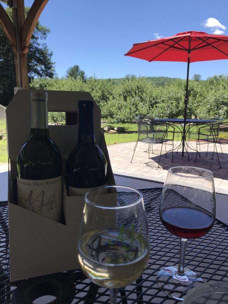 Mineral Hills Winery: 592 Sylvester Rd, Florence, MA